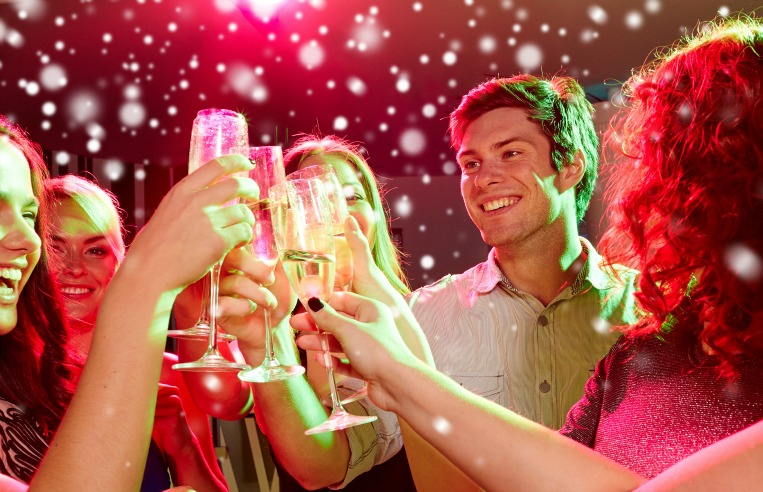 The Ultimate Holiday Cocktail Party Guide For The Long